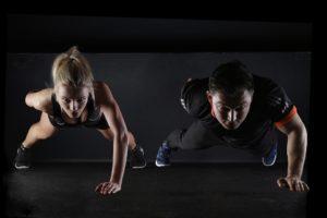 男女 筋力トレーニング