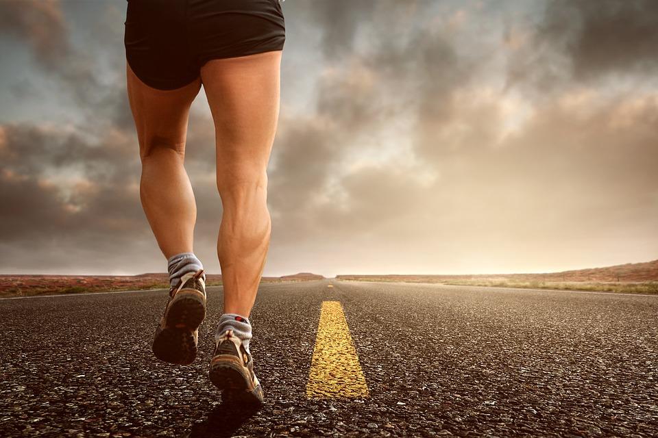 ジョギング 走る