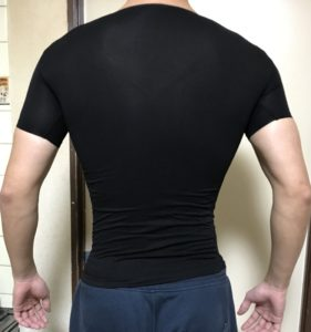 加圧シャツ 背中